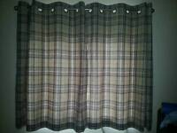 Bedroom Chequed Curtain