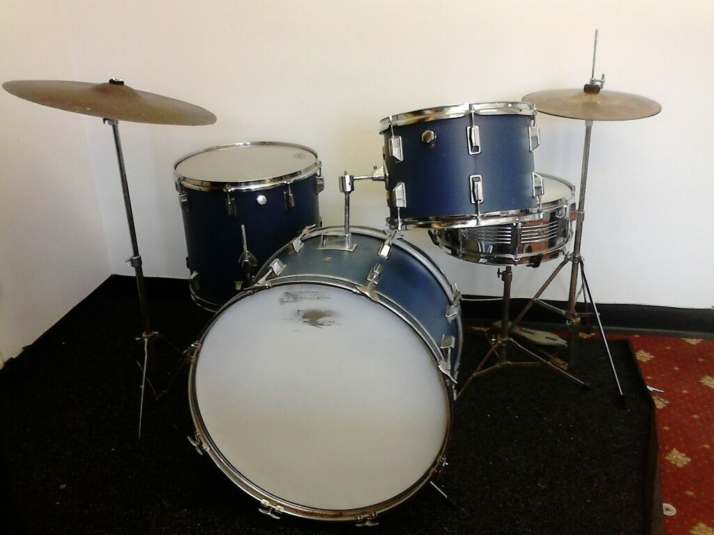 vintage pearl maxwin full drum kit with cymbals hardware and snare in warminster wiltshire. Black Bedroom Furniture Sets. Home Design Ideas