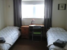Large Twin room for short lets 1week - 2months. Available after 15th April