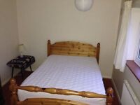 Hemel Hempstead. Lovely clean double room in good location. Shared lounge, dining, and kitchen.