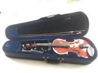 3/4 violin with bow, shoulder rest and case. Ideal for beginners.