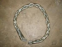MOTORCYCLE SECURITY CHAIN, STRONG ALL LINKS WELDED, PROTECTIVE NEOPRENE SLEEVE STOPS WHEEL DAMAGE