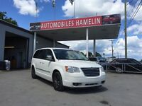 2010 Chrysler Town & Country Touring STOW &N GO 2 DVD 3 A/C 2 PO