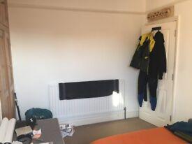 Double room in lovely house in St Leonard's £430 all bills incl