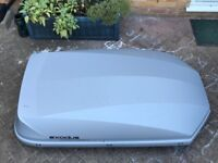 Exodus 470 litre roof box including roof bars