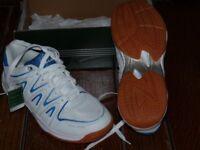 Dunlop ladies Court Master squash / badminton shoes.