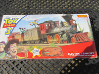 HORNBY TOY STORY ELECTRIC TRAIN SET TESTED & WORKING EVERYTHING BUT THE MAT