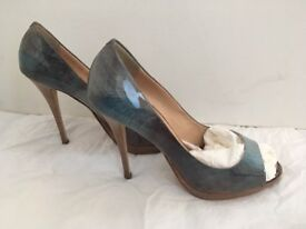 Gorgeous Giuseppe Zanotti (Vero cuoio) heels for sale!!