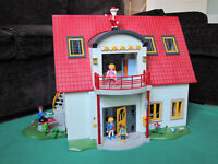 Playmobil dolls house - fully furnished