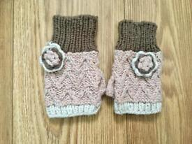 Brown, pinks and cream fingerless gloves