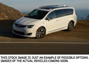 2018 Chrysler Pacifica Limited New Car Limited UConnect Theater.