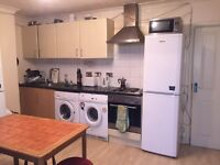 BED IN ATRIPLE ROOM FOR MALE £65 PW (BILLS INC)