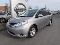 2011 Toyota Sienna LE - 7 PASSAGERS - MAGS + HITCH - AUBAINE!!