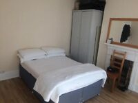 SPACIOUS DOUBLE room in peaceful ealing
