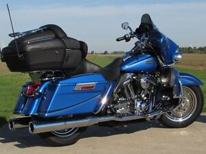 2007 harley-davidson FLHTCUSE4 CVO Ultra Classic Electra Glide   London Ontario image 12