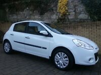 White Renault Clio Expression. Mot June 2017. Low mileage. Cheap insurance.