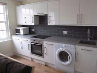 Double bed flat, fully refurbished & furnished, 5 mins walk Kings Cross £335pw, Islington London