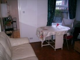 Selly Park B29 one large double room available in lovely modern house