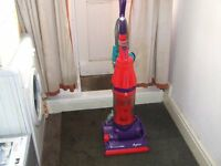 reconditioned dyson allergy dc07 with tools upright bagless hoover.