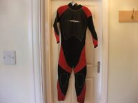 """OSPREY WETSUIT RED/BLACK SIZE 38"""" CHEST (NEW )"""