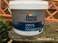 10 litre of Dulux Vinyl Matt Light Base