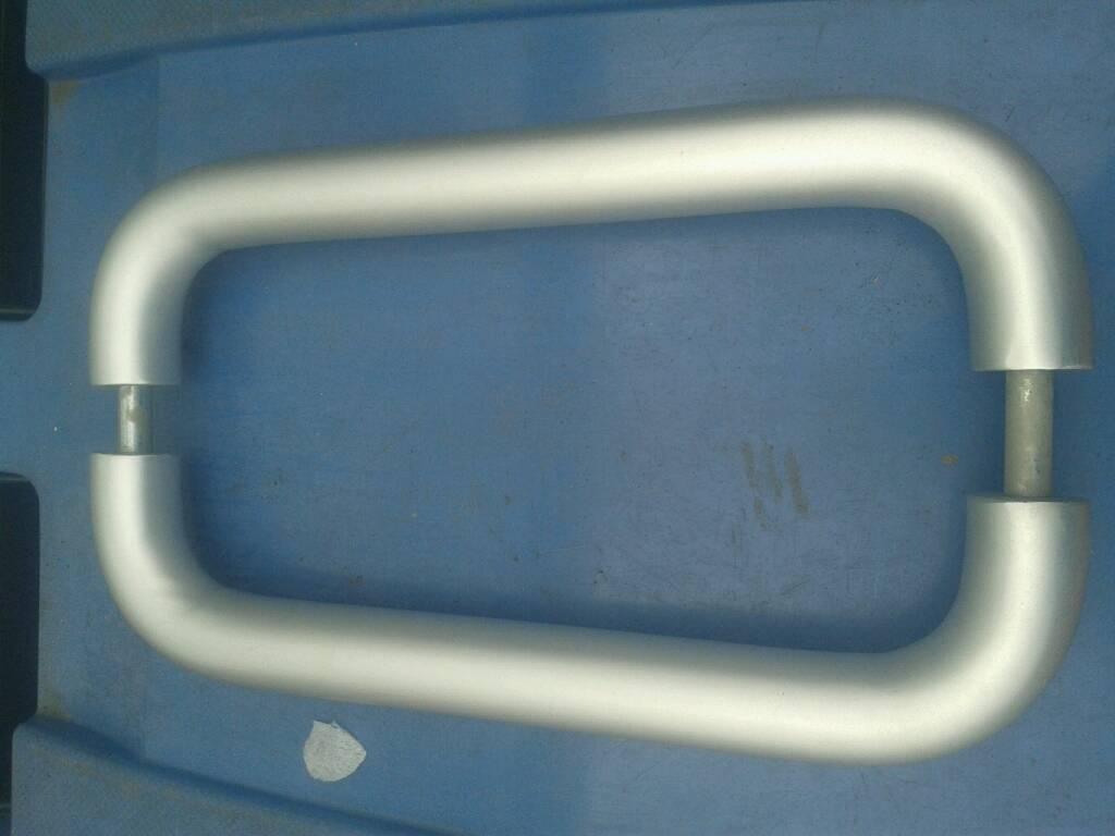 Solid brushed aluminium 'D' handles