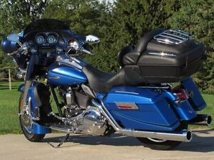 2007 harley-davidson FLHTCUSE4 CVO Ultra Classic Electra Glide   London Ontario image 6