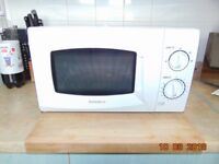 Daewoo KOR6L15 20L Microwave Oven in good condition some discolouration on the roof
