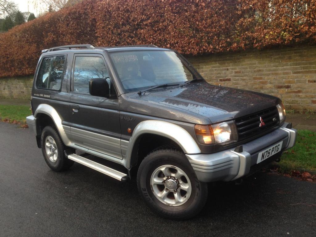 MITSUBISHI SHOGUN 3.0 V6 MANUAL RARE ABSOLUTELY MINT JEEP 2 OWNERS SINCE  NEW 12 MONTH M.O.T