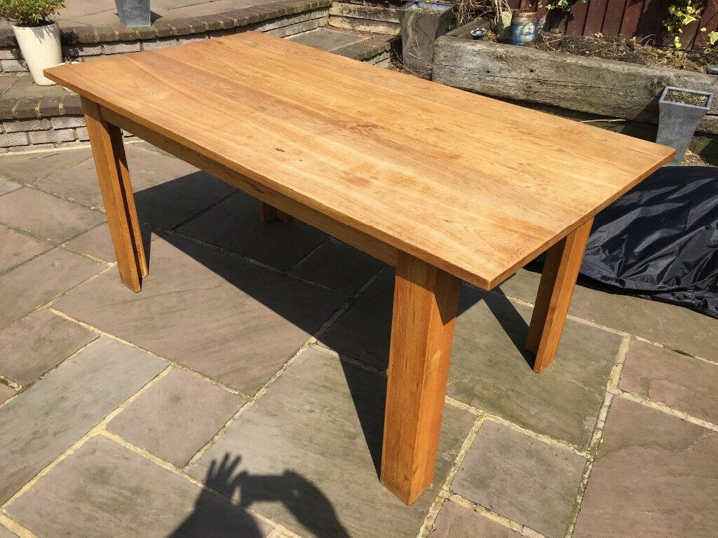 Oak dining table 86x168cm a few minor marks but generally good condition (see pics)