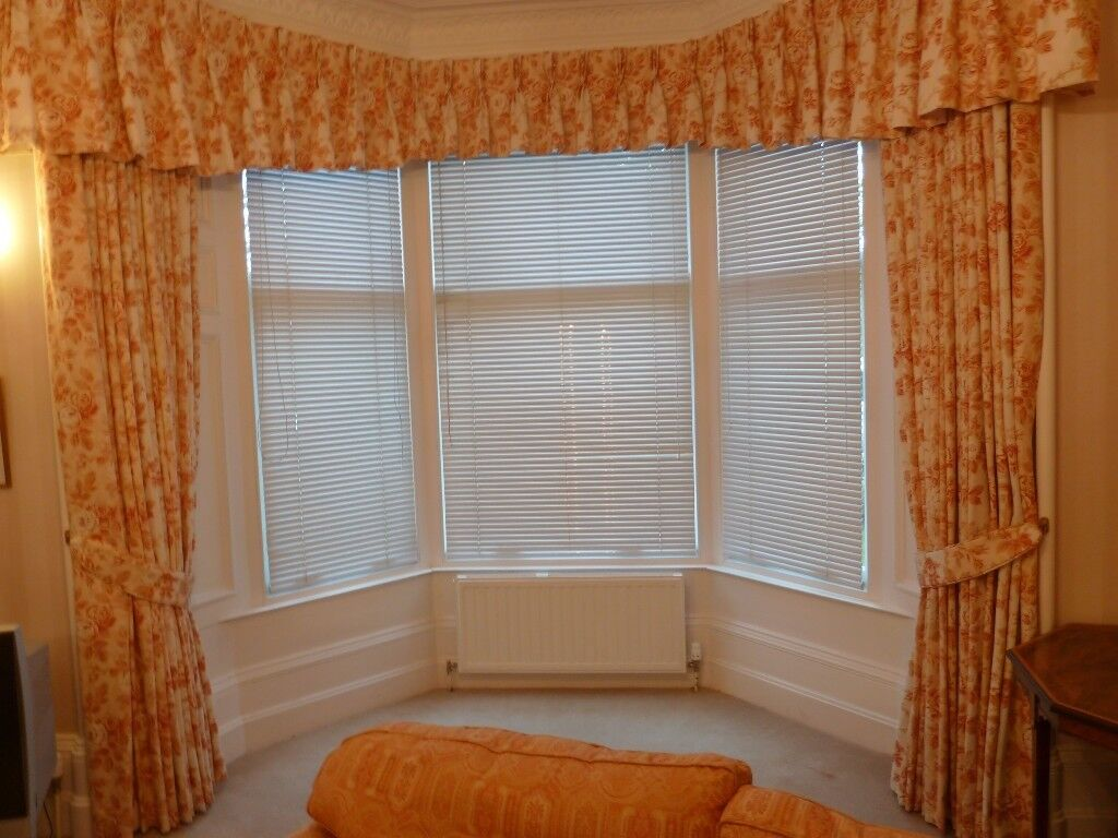2 Matching Sets Of Curtains With Pelmets Lined Laura