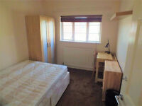 NO FEES - Lovely Double Room Available Now in Limehouse..Fantastic Location!!!!