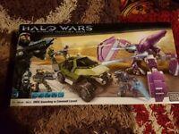 Mega Bloks Halo Wars UNSC Gausshog VS Covenant Locust
