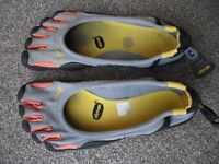 Vibram FiveFingers Running Shoe perfect for low impact and light fitness activities. uk9 £35ono