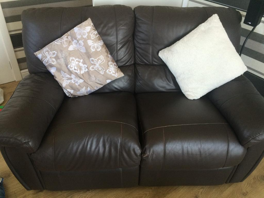 Brown leather reclinerin East Kilbride, GlasgowGumtree - I am selling my 2 seater brown recliner it us used but over all good condition comes from a smoke and pet free home