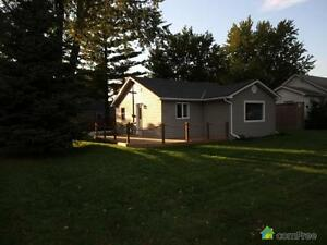 $199,999 - Bungalow for sale in Brights Grove