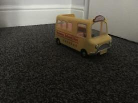 Sylvanian Family nursery / school bus
