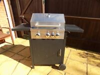 3 Burner Gas Barbecue with Grill and Side Burner only used twice.