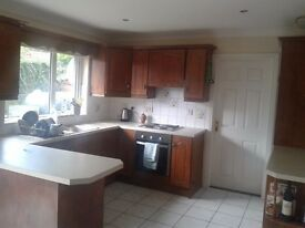 Spacious double room to rent in quiet residential area of Newry