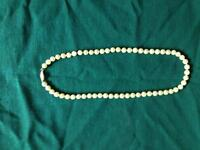 Beautiful Pearl Necklace, great Wedding gift!