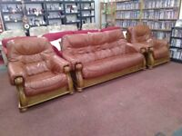 Chesterfield Style suite in excellent condition and beautiful framework. (3+1+1)
