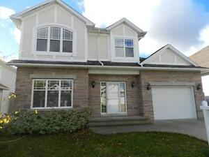 SPACIOUS WELL MAINTAINED HOUSE WITH HOT TUB-SAUNA-EXERCISE ROOM