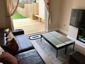 Luxury double bedroom for single professionals in Westbury on trym