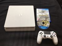 PS4 Slim - 500GB - White - with 2 games.