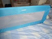 Tomy bed guard in excellent condition to prevent your child from falling out of bed.