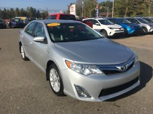 2013 Toyota Camry XLE Hybrid ONLY $180 BIWEEKLY WITH $0 DOWN!