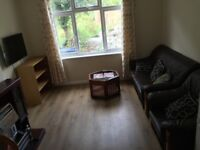 Modern Single / Double Rooms 5 mins walk to QE and UoB!