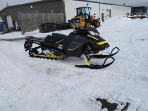 2017 Ski-Doo SUMMIT X  154'' 850