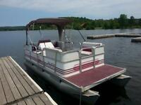 16 FT PRINCECRAFT PONTOON BOAT WITH TRAILER