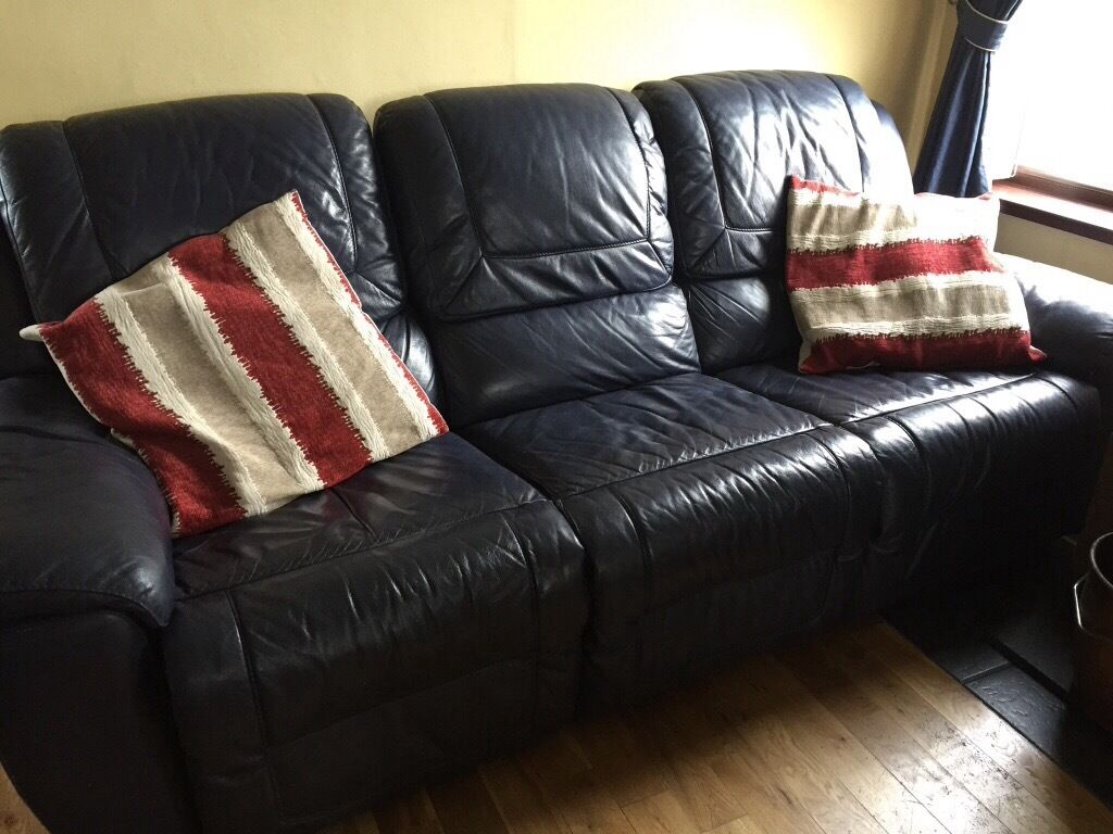 second hand navy leather suite 3 seater and 2 single chairs 3